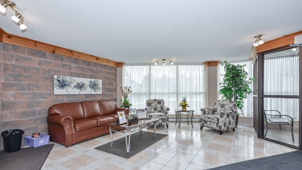 24 Marilyn Dr 204, Guelph, ON - CAN (photo 4)