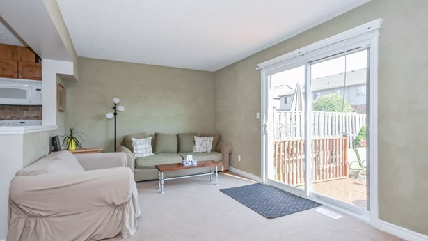 65 Washburn Dr, Guelph, ON - CAN (photo 2)