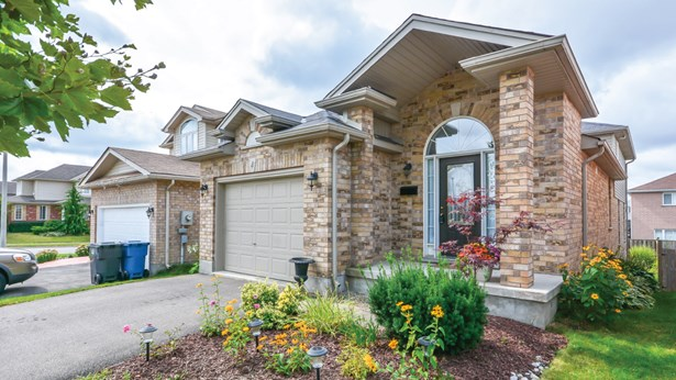 4 Hasler Cres, Guelph, ON - CAN (photo 2)