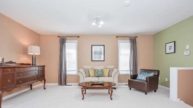 4 Hasler Cres, Guelph, ON - CAN (photo 3)
