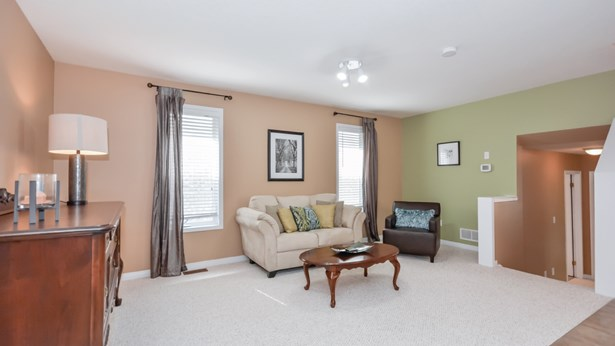 4 Hasler Cres, Guelph, ON - CAN (photo 4)