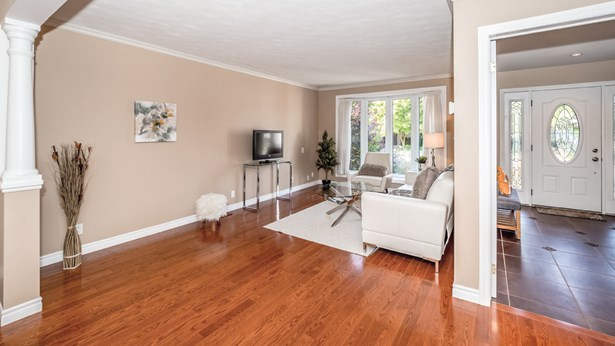 44 Yewholme Dr, Guelph, ON - CAN (photo 3)