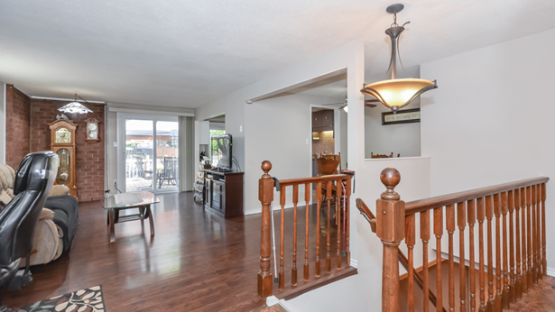 54 Upton Cres, Guelph, ON - CAN (photo 5)