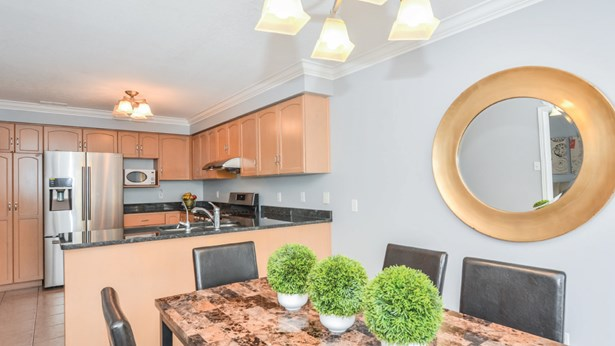 9 Borland Dr, Guelph, ON - CAN (photo 1)