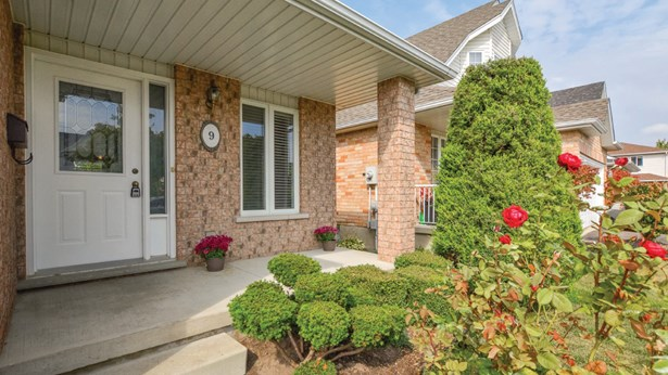 9 Borland Dr, Guelph, ON - CAN (photo 3)