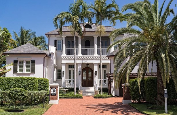 1009 Admiralty Parade, Naples, FL - USA (photo 1)