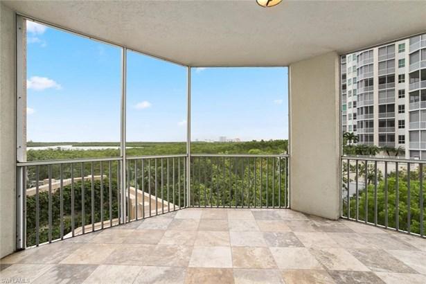 295 Grande Way 206-4th Floor In Bldg, Naples, FL - USA (photo 2)