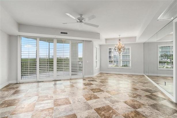 295 Grande Way 206-4th Floor In Bldg, Naples, FL - USA (photo 4)