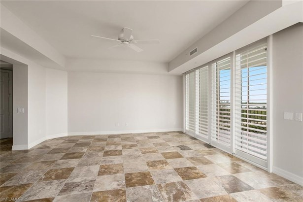 295 Grande Way 206-4th Floor In Bldg, Naples, FL - USA (photo 5)