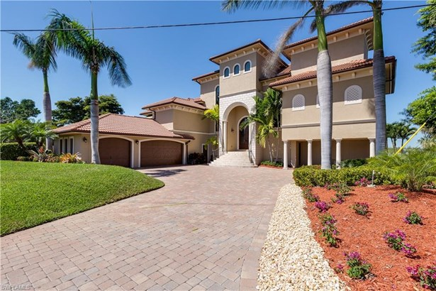 2 Dolphin Cir, Naples, FL - USA (photo 4)