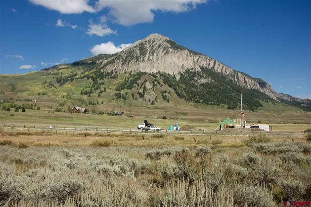 Pyramid Ave, Crested Butte, CO - USA (photo 2)