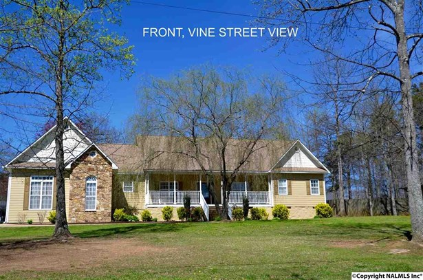 69 Vine Street E, Fort Payne, AL - USA (photo 1)