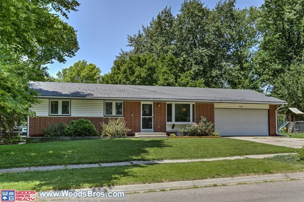 1131 Cottonwood Drive , Lincoln, NE - USA (photo 1)