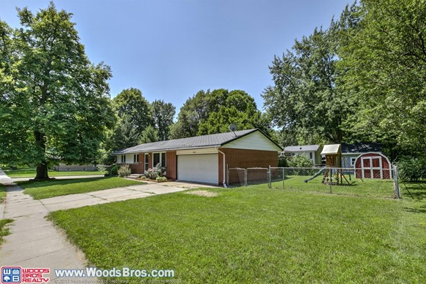1131 Cottonwood Drive , Lincoln, NE - USA (photo 2)