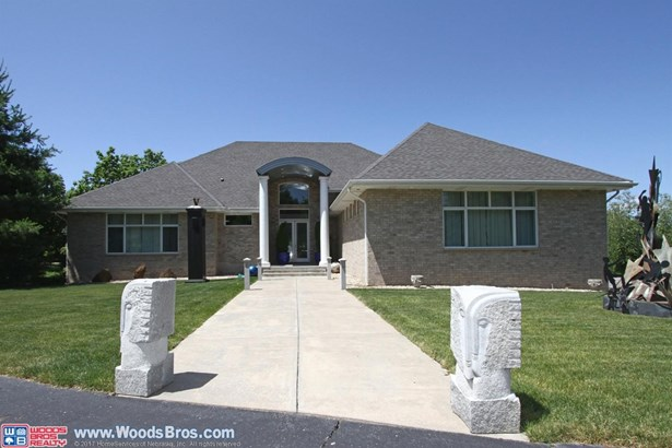 700 Pine Tree Lane , Lincoln, NE - USA (photo 1)