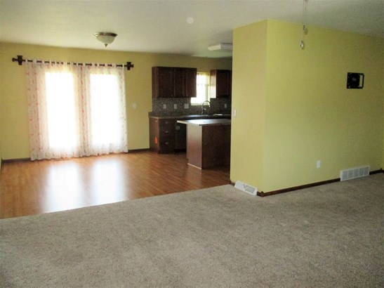 1225 Woodland Ave, Beatrice, NE - USA (photo 5)