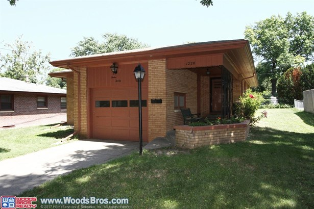 1220 South 44th Street , Lincoln, NE - USA (photo 1)