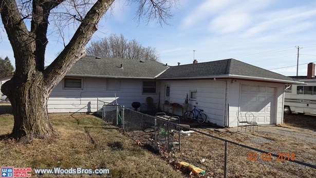 523 South 4th Street , Eagle, NE - USA (photo 3)