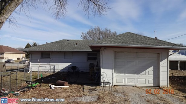 523 South 4th Street , Eagle, NE - USA (photo 4)