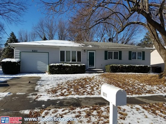 8211 Chestnut Lane , Lincoln, NE - USA (photo 1)