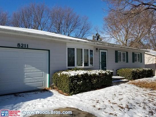 8211 Chestnut Lane , Lincoln, NE - USA (photo 2)