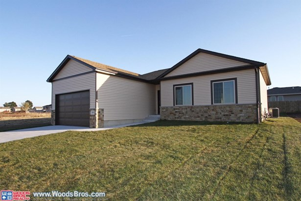 2855 West Rose , Lincoln, NE - USA (photo 2)