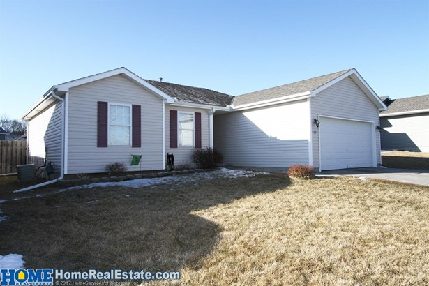 4137 West Thatcher Circle , Lincoln, NE - USA (photo 2)