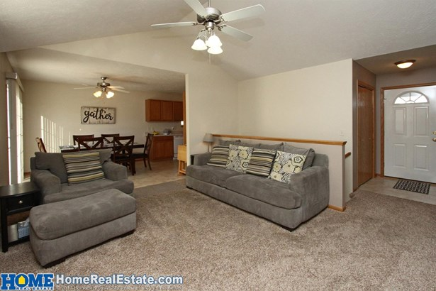 4137 West Thatcher Circle , Lincoln, NE - USA (photo 5)