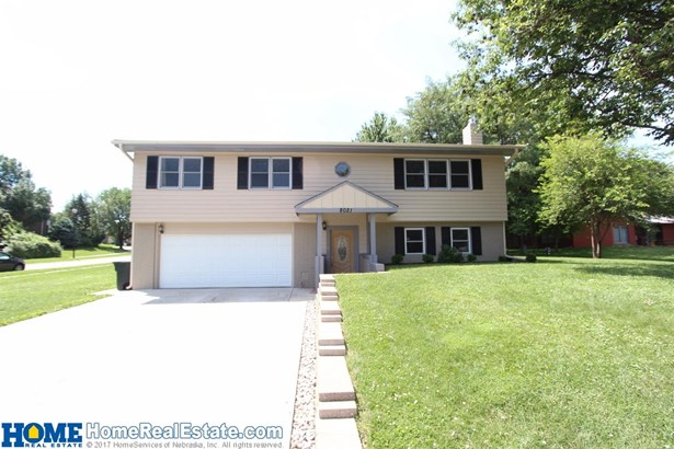 8021 Sandalwood Drive , Lincoln, NE - USA (photo 2)