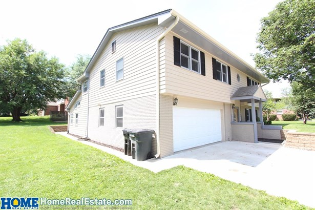 8021 Sandalwood Drive , Lincoln, NE - USA (photo 4)