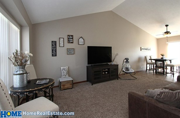 4133 West Milton Road , Lincoln, NE - USA (photo 2)
