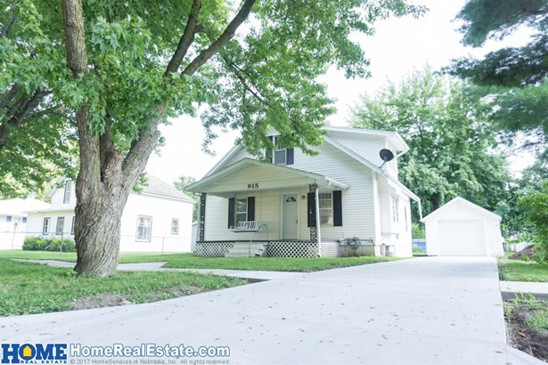 915 3rd Street , Milford, NE - USA (photo 1)