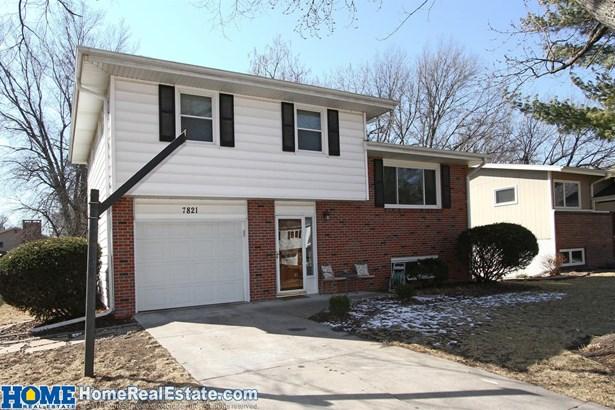 7821 Hickory Lane , Lincoln, NE - USA (photo 1)
