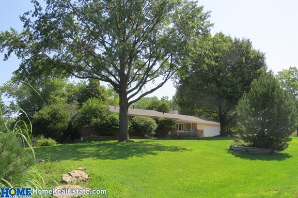 5100 West Mulberry Circle , Lincoln, NE - USA (photo 2)