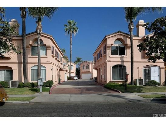 Condominium - Paramount, CA (photo 1)