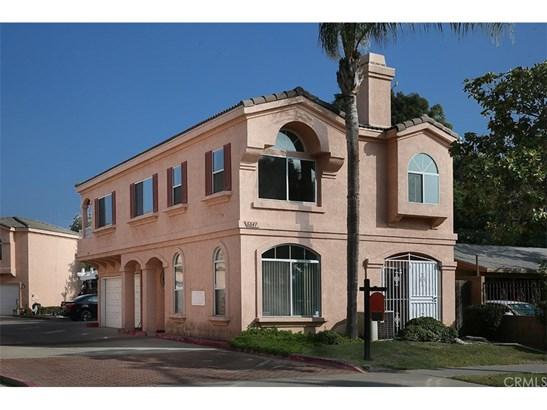 Condominium - Paramount, CA (photo 2)
