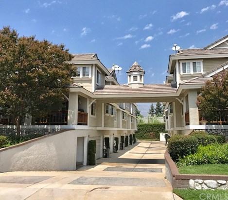 Condominium - Monrovia, CA (photo 1)