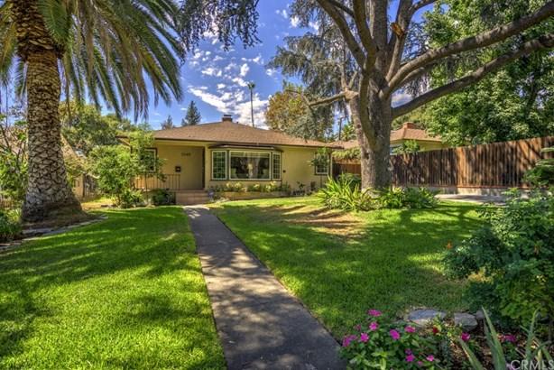 Single Family Residence, Traditional - Altadena, CA (photo 1)