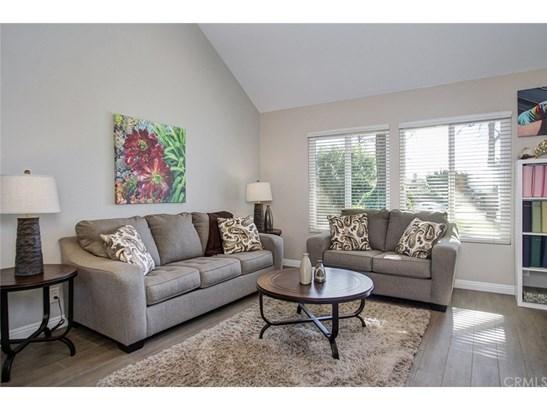 Single Family Residence, Contemporary - Upland, CA (photo 5)
