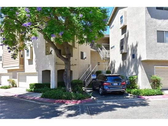 Condominium - Pomona, CA (photo 4)