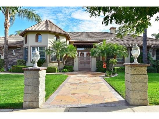 Single Family Residence, Contemporary - Corona, CA (photo 2)