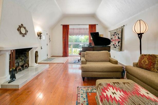 English, Single Family Residence - Altadena, CA (photo 4)