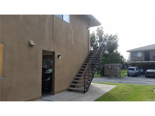 Condominium, Contemporary - Azusa, CA (photo 3)