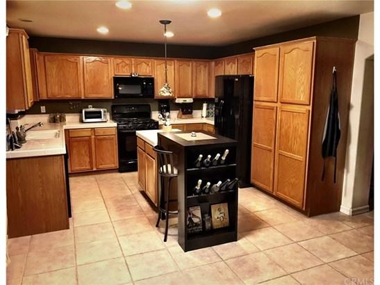 Single Family Residence, Contemporary - Santa Maria, CA (photo 4)