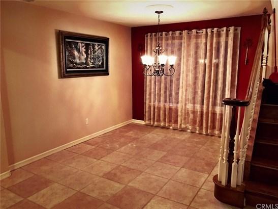 Single Family Residence, Contemporary - Santa Maria, CA (photo 5)