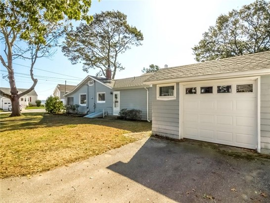 Bungalow - North Kingstown, RI (photo 2)