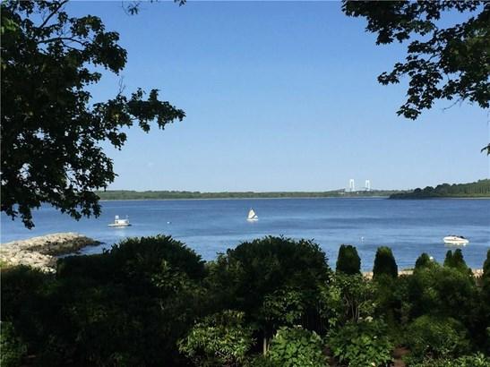 Cape Cod - North Kingstown, RI (photo 4)