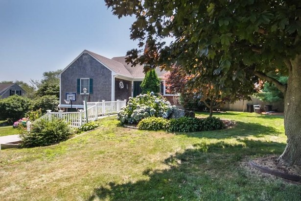 Cape Cod,Cottage - Middletown, RI (photo 2)