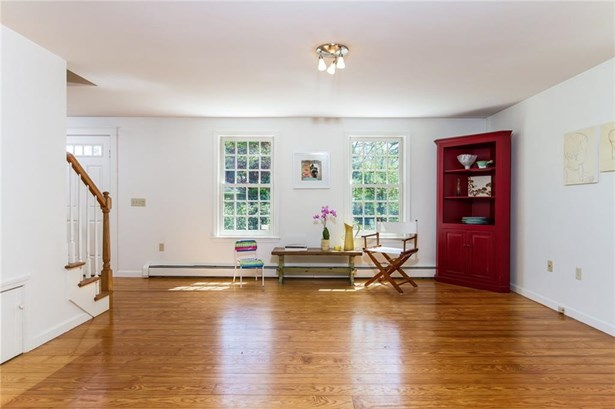 Colonial, Cross Property - South Kingstown, RI (photo 3)