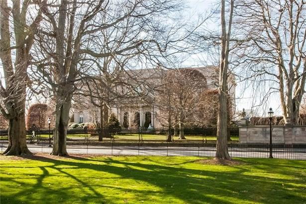 Town House - Newport, RI (photo 3)